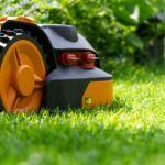 Comment bien choisir la tondeuse robot adaptée à votre pelouse ?